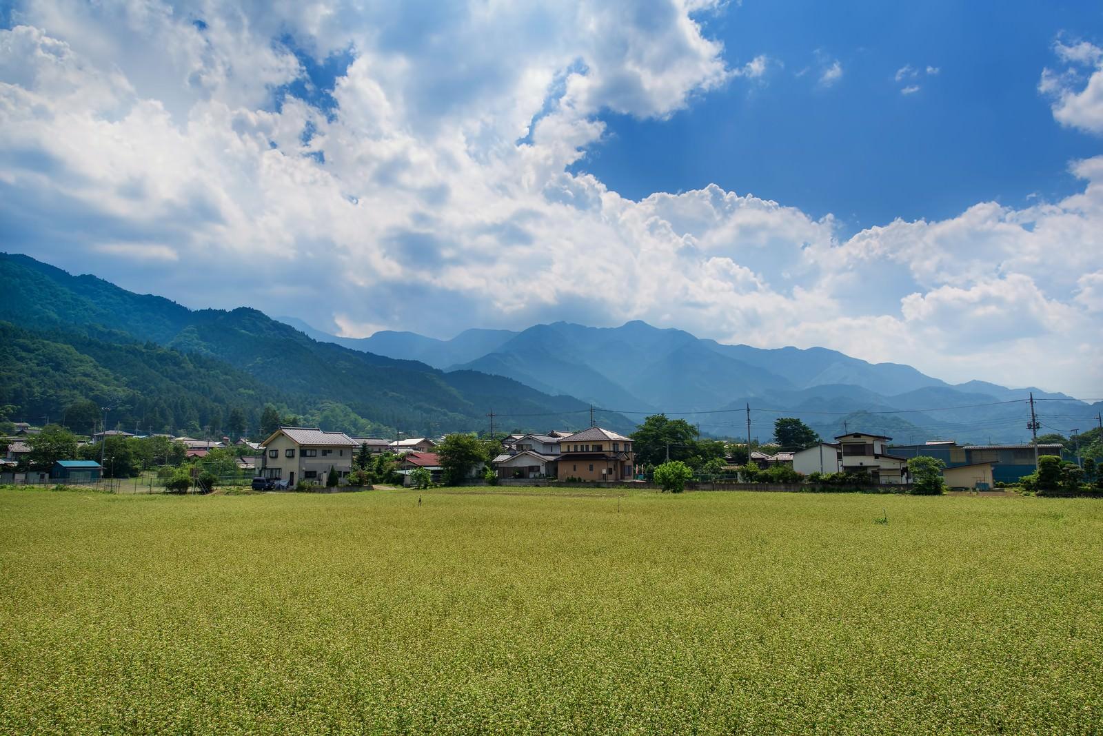 田んぼと田舎の風景 無料の写真素材はフリー素材のぱくたそ