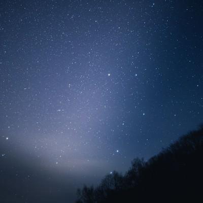 「星がキレイな北アルプスの夜空」の写真素材