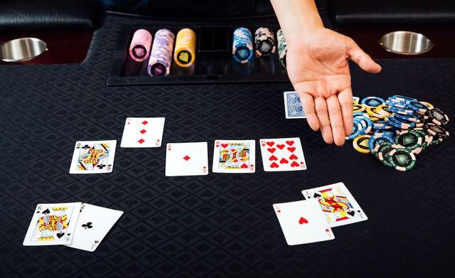 ポーカー(ストレート)の写真