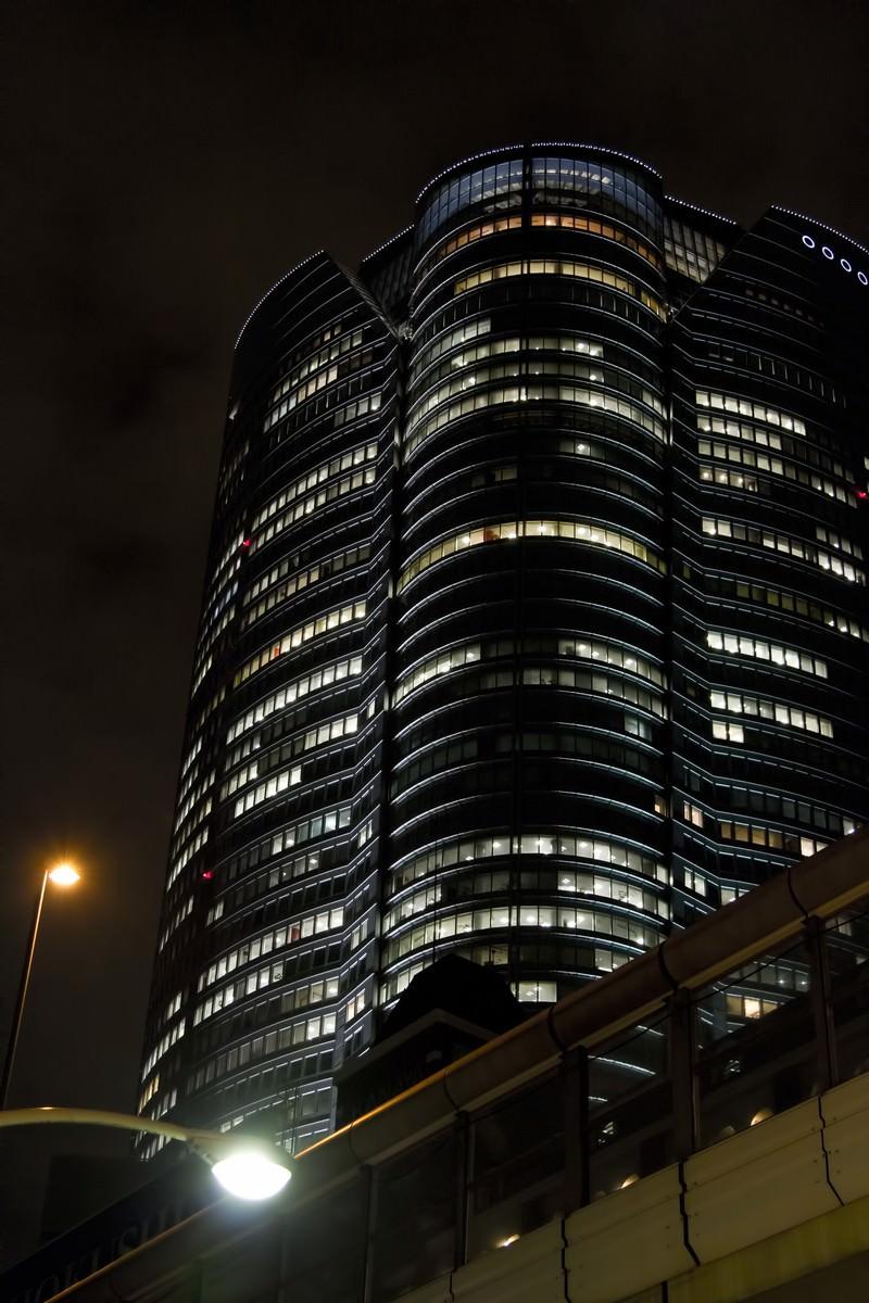 「首都高と六本木ヒルズ(夜景)」の写真