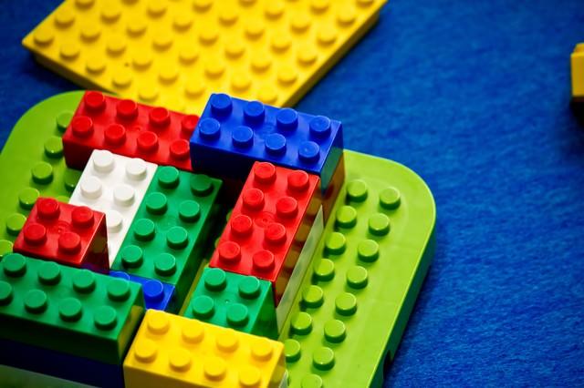 ブロックのおもちゃの写真