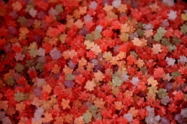 赤い金平糖(コンペイトウ)の写真
