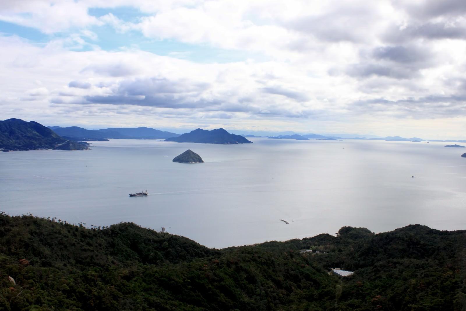 「瀬戸内海を見下ろす」の写真