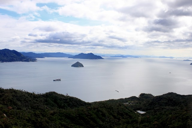 瀬戸内海を見下ろすの写真