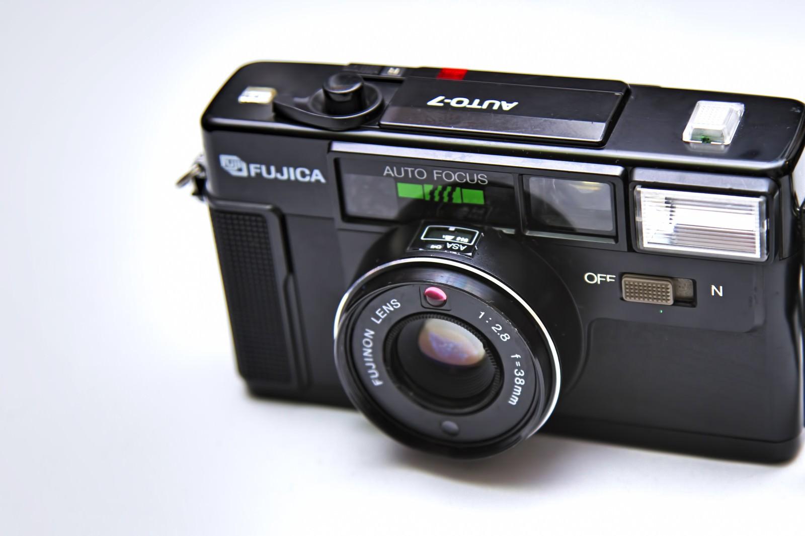 「古いレトロなカメラ」の写真