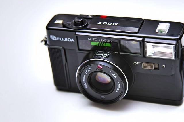 古いレトロなカメラの写真