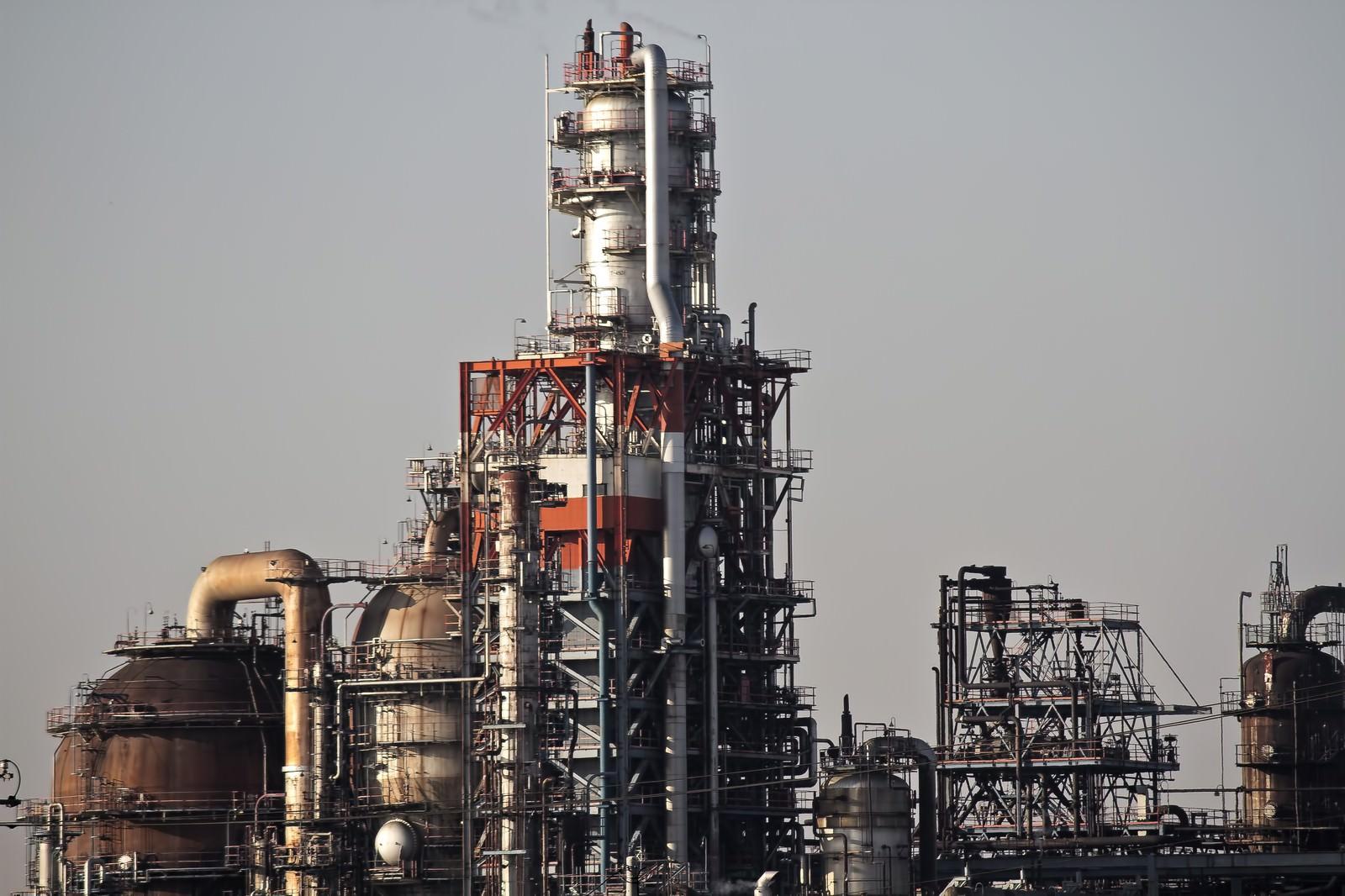 「工業地帯のコンビナート」の写真