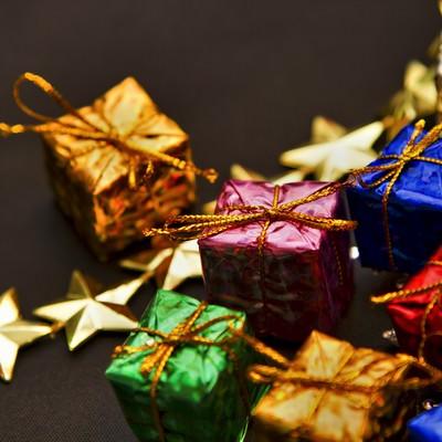 「スターとプレゼントボックス」の写真素材