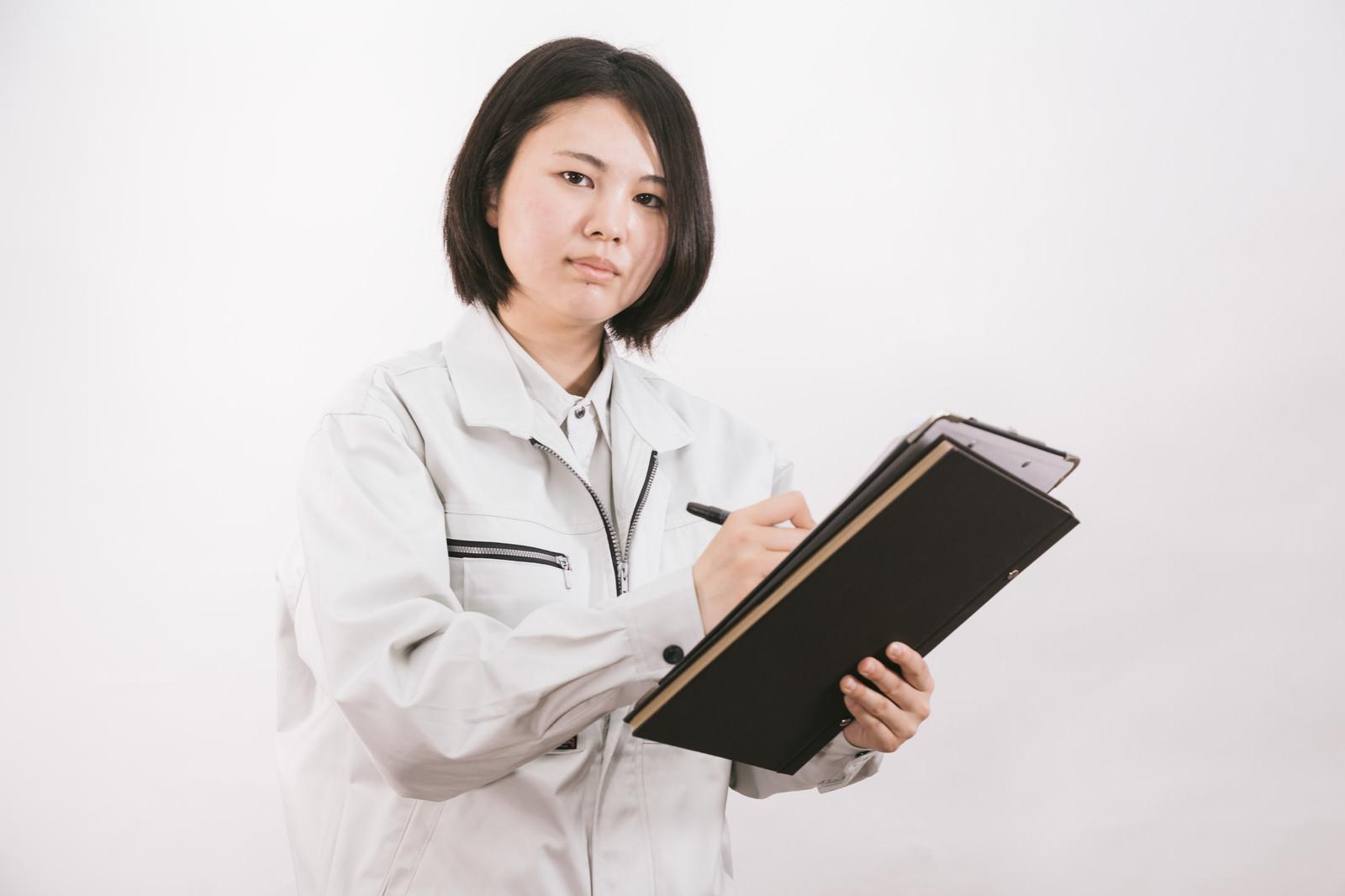 「入社一年目の女性現場監督」の写真[モデル:佐竹PP]