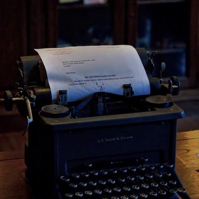 「古いタイプライター」の写真素材