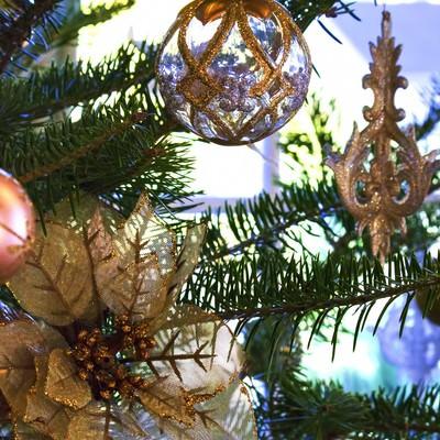 「綺麗なクリスマスツリーの飾り」の写真素材
