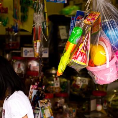 「駄菓子屋の店先」の写真素材