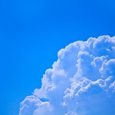 「真夏の入道雲」の写真素材