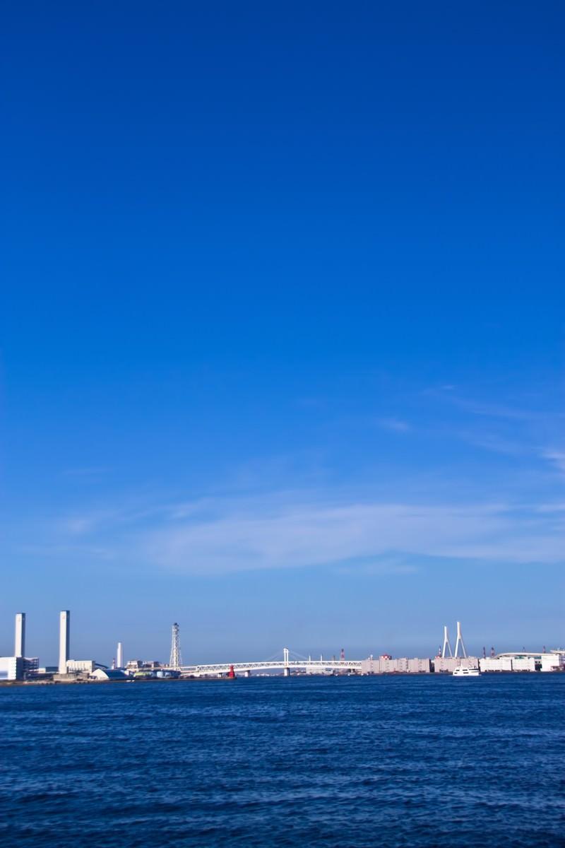 「横浜の海と青空」の写真