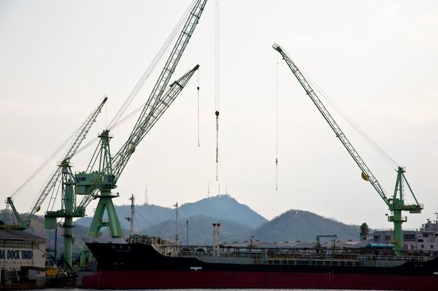 尾道の造船所の写真