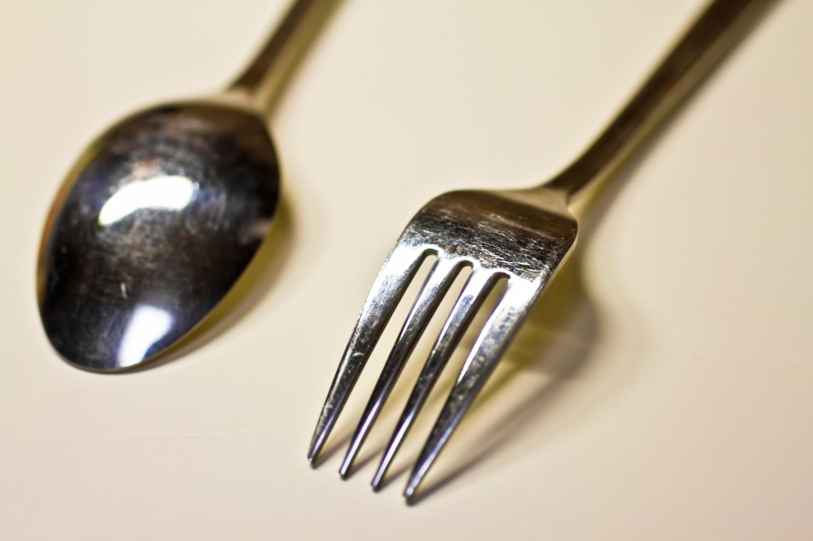 「銀のスプーンとフォーク」の写真