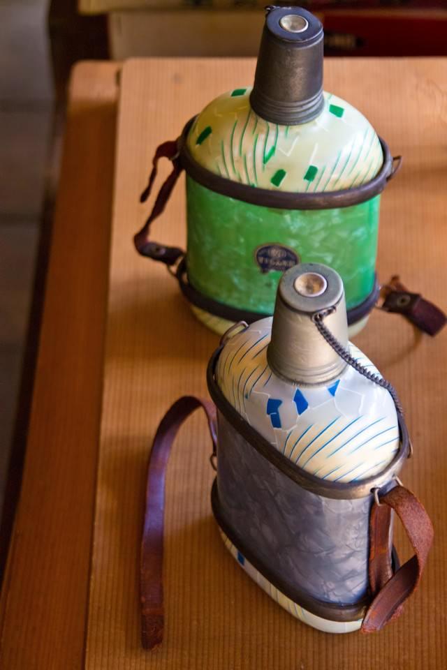 古い水筒の写真