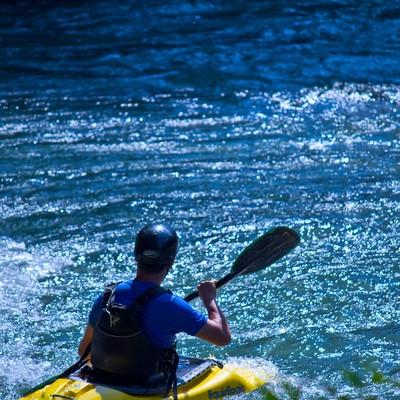 「カヌーの渓流下り」の写真素材