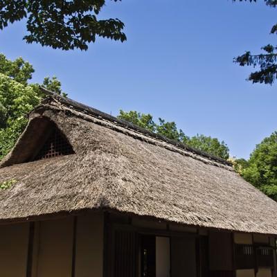 「かわぶき屋根の民家」の写真素材