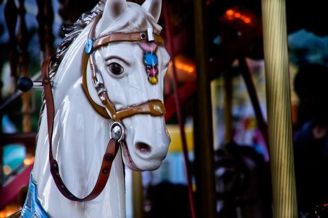 メリーゴーランドの馬の写真