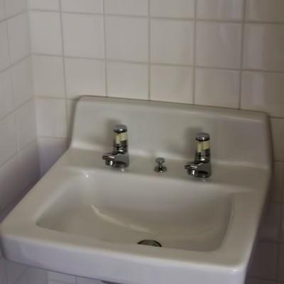 「無機質な洗面台」の写真素材