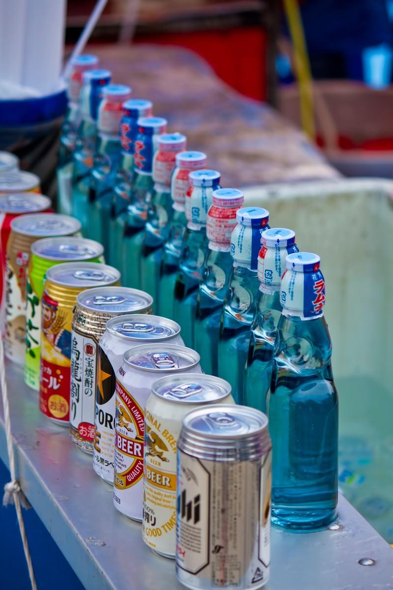 「露店のラムネとお酒」の写真