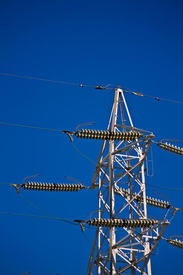 送電線と空の写真