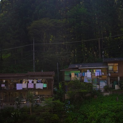 「山の中の民家」の写真素材