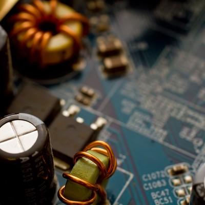 「マザーボードのコンデンサー」の写真素材