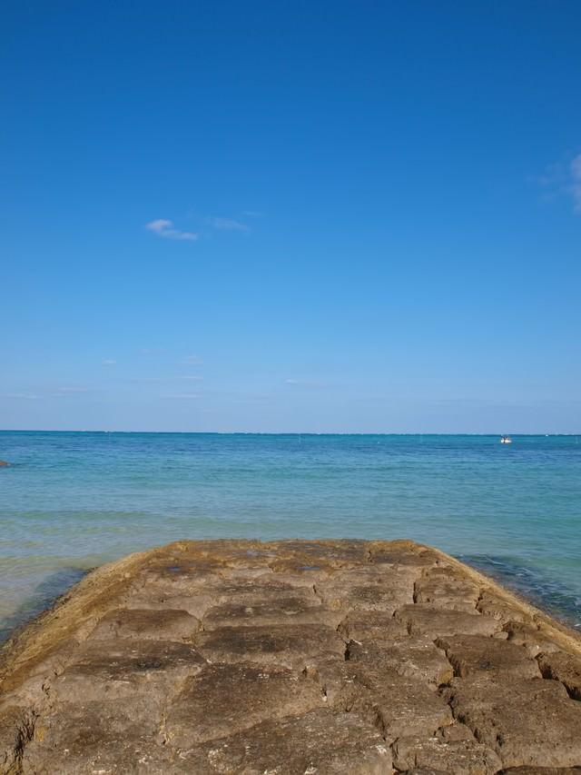 沖繩県恩納村の海の写真