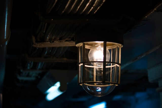 作業場通路のランプの写真