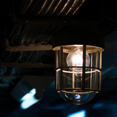 「作業場通路のランプ」の写真素材