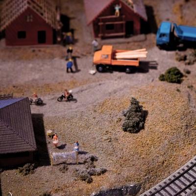 「線路のある町(ミニチュア)」の写真素材