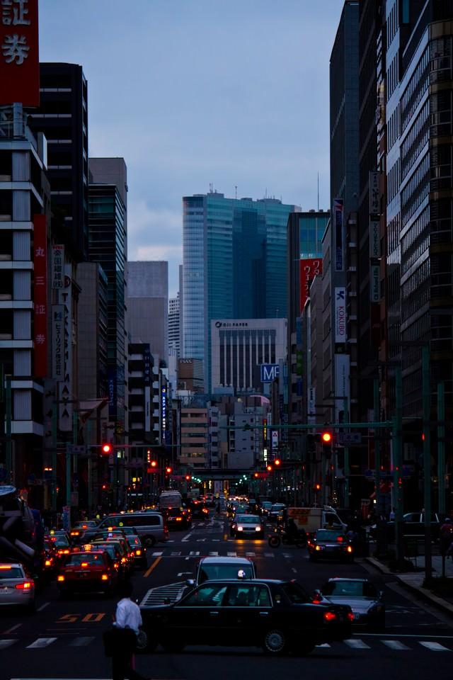 日本橋のオフィス街の写真