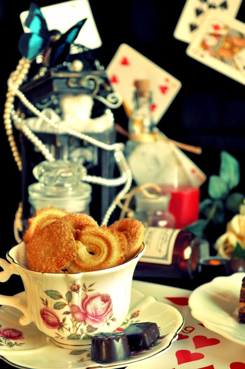 「アリスのお茶会アリスのお茶会」のフリー写真素材を拡大