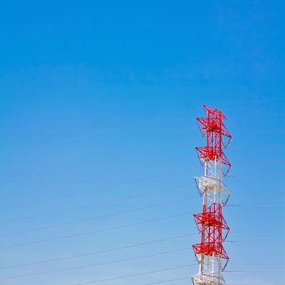 「青い空と送電線」の写真素材