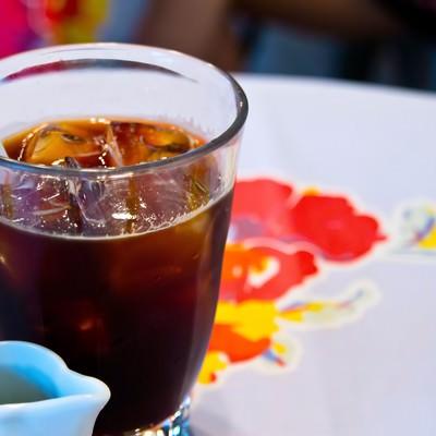「アイスコーヒーとミルク」の写真素材