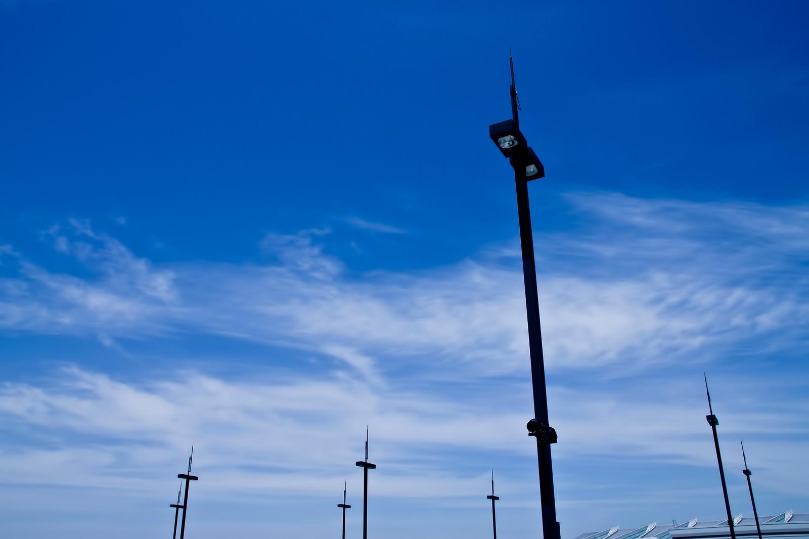 「街灯と青空街灯と青空」のフリー写真素材を拡大
