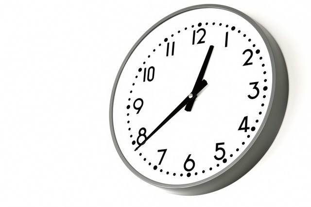 業務用の掛け時計の写真