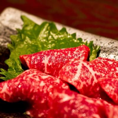 「牛刺し(ミスジ)」の写真素材