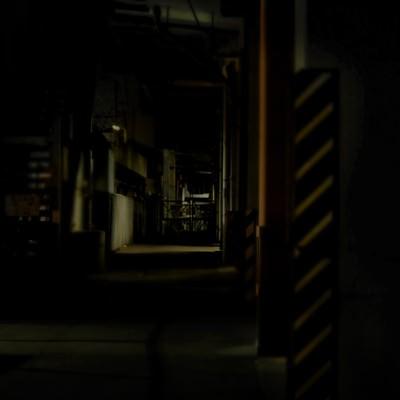 「高架下の工場」の写真素材