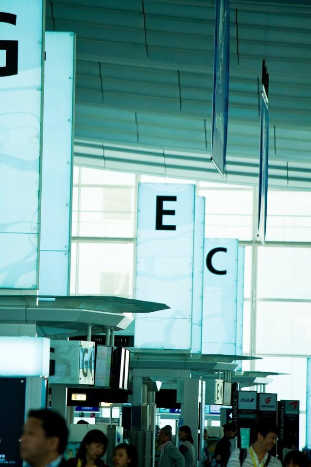 羽田空港のターミナルの写真