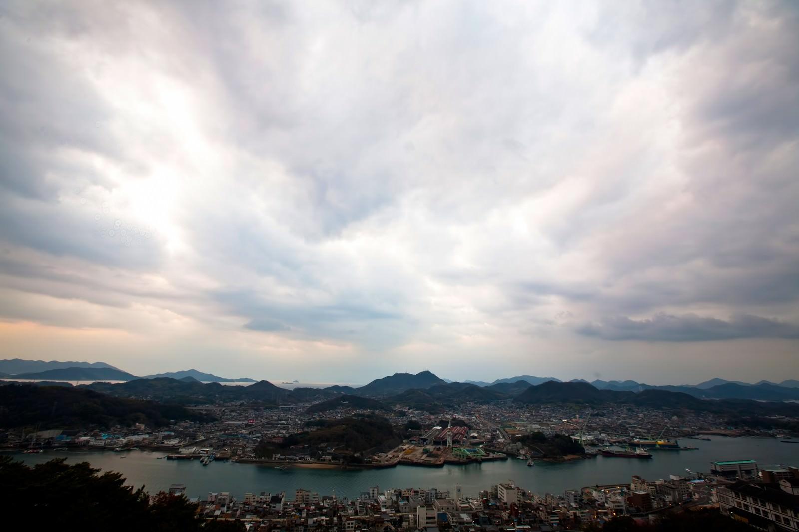 「尾道の街並みと空」の写真