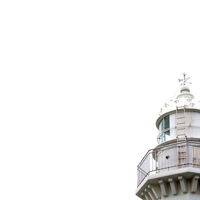 昼の灯台の写真
