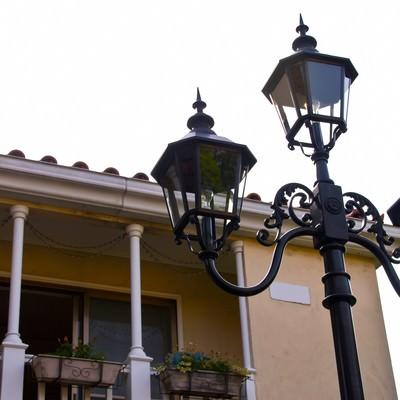 洋風な街灯の写真