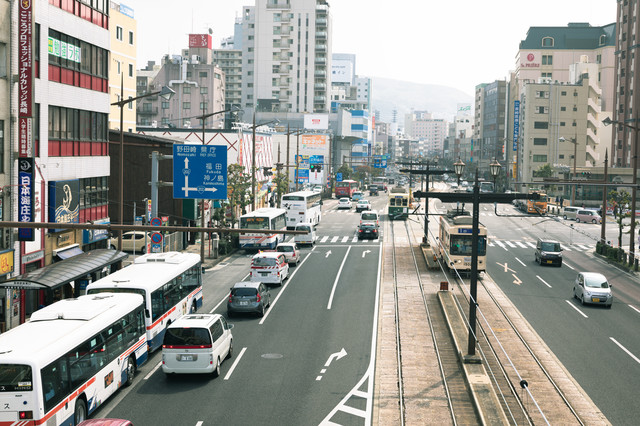 長崎駅前の路面電車などの写真