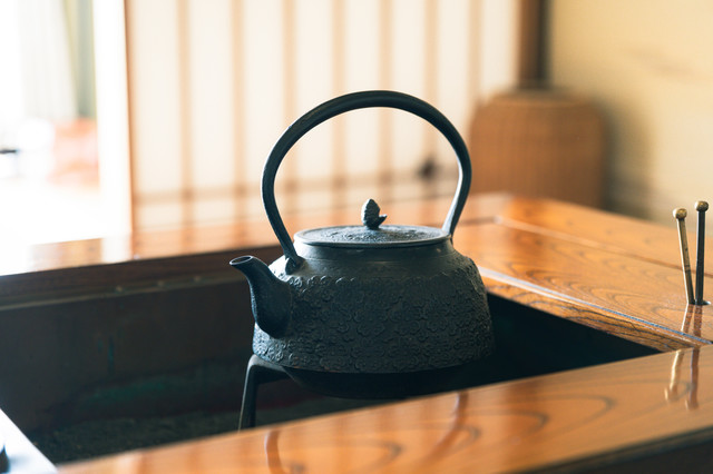 茶釜と炉の写真
