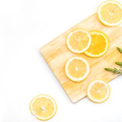 「カットされたレモン(柑橘)」の写真素材