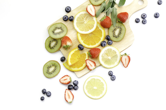 ビタミンたっぷりの果物の写真