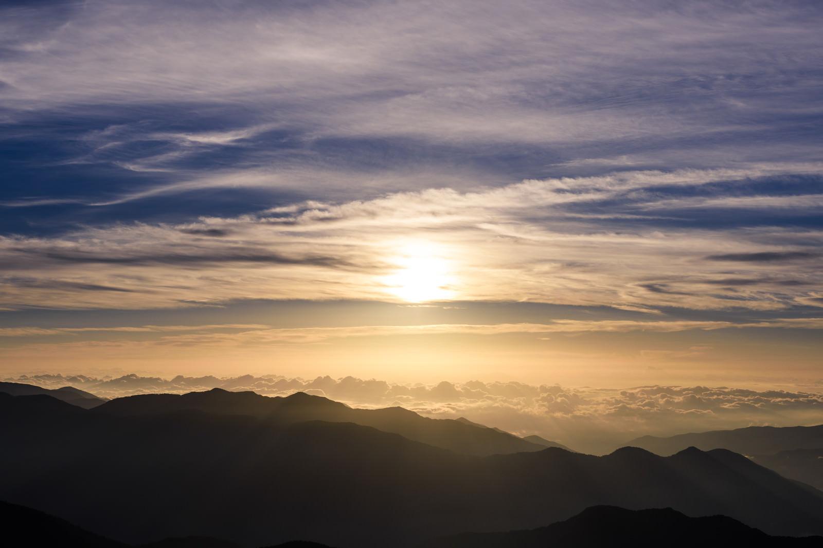 「乗鞍岳金の朝焼け」の写真